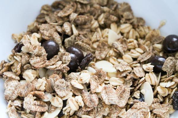 tmrbox a shot of caffeine granola. coffee flavour cereal
