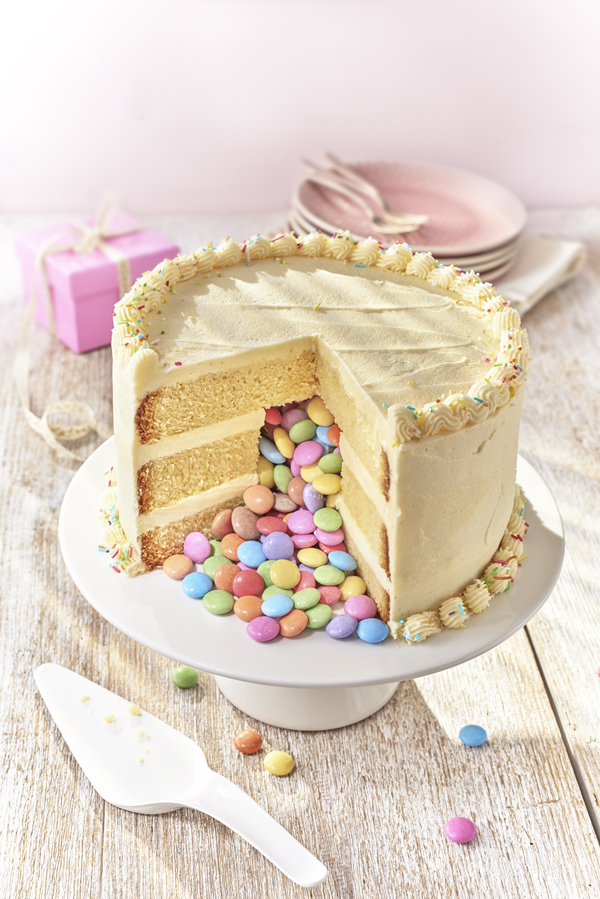 How to make a Pinata cake for kids birthday parties or any occasion. My kids love these cakes - so fun!