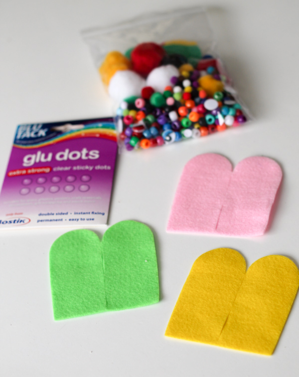 supplies for no sew finger puppets