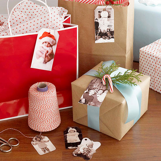 gift wrapping hack, use photos to identify