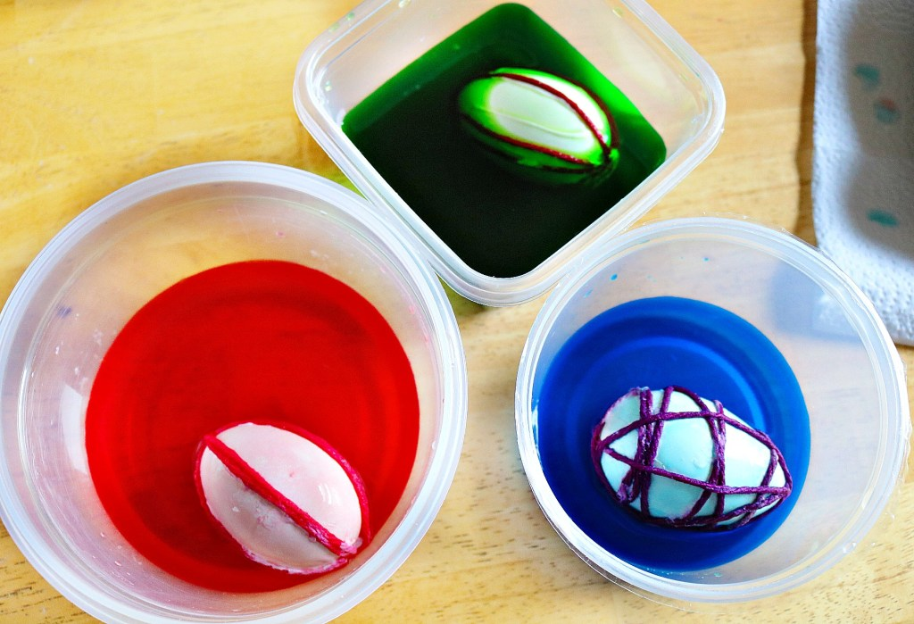 how to make patterned eggs for easter