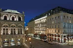 Sacher Front Night © Hotel Sacher Wien