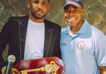 fabolous receives the key to brooklyn