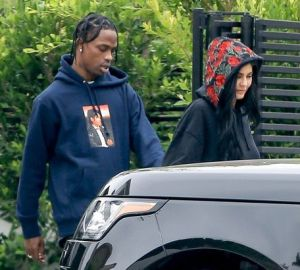 kylie jenner and travis scott reportedly not moving in together