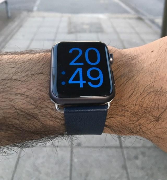 Olixar Apple Watch Strap (2)