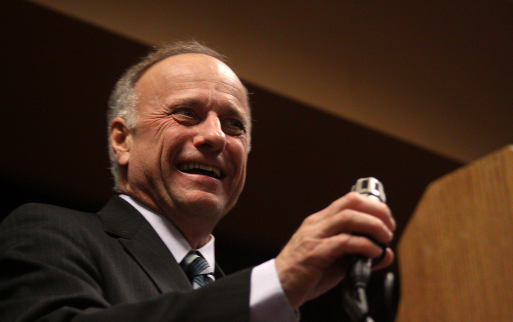 "In Constituent Letters, Steve King Dismisses Trump-Russia Collusion As ""Wildly Off-Base"""