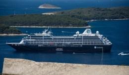Ship-Hvar2