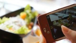 iPhoneカメラのHDRで撮影すると写真が2枚出る…1枚にする方法は?