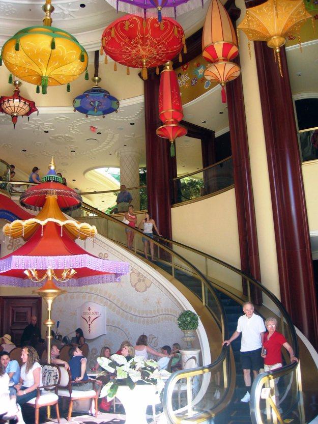 Wynn curved escalator Las Vegas