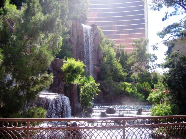 Wynn waterfall Las Vegas