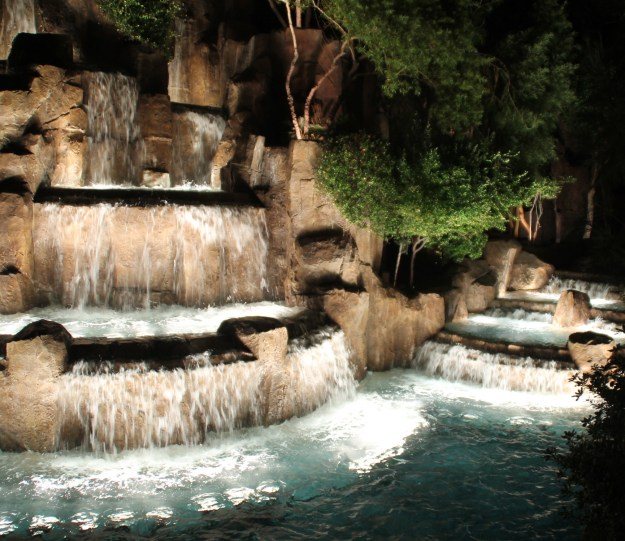 Encore las Vegas waterfall