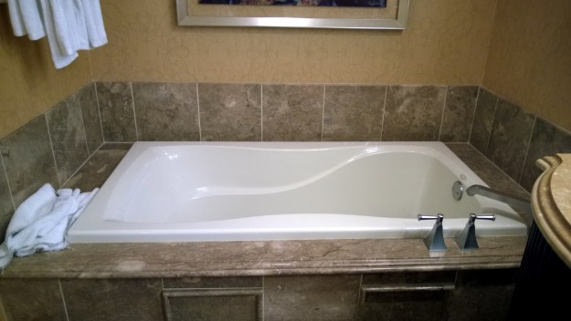bellagio-las-vegas-spa-tower-room-soaking-tub