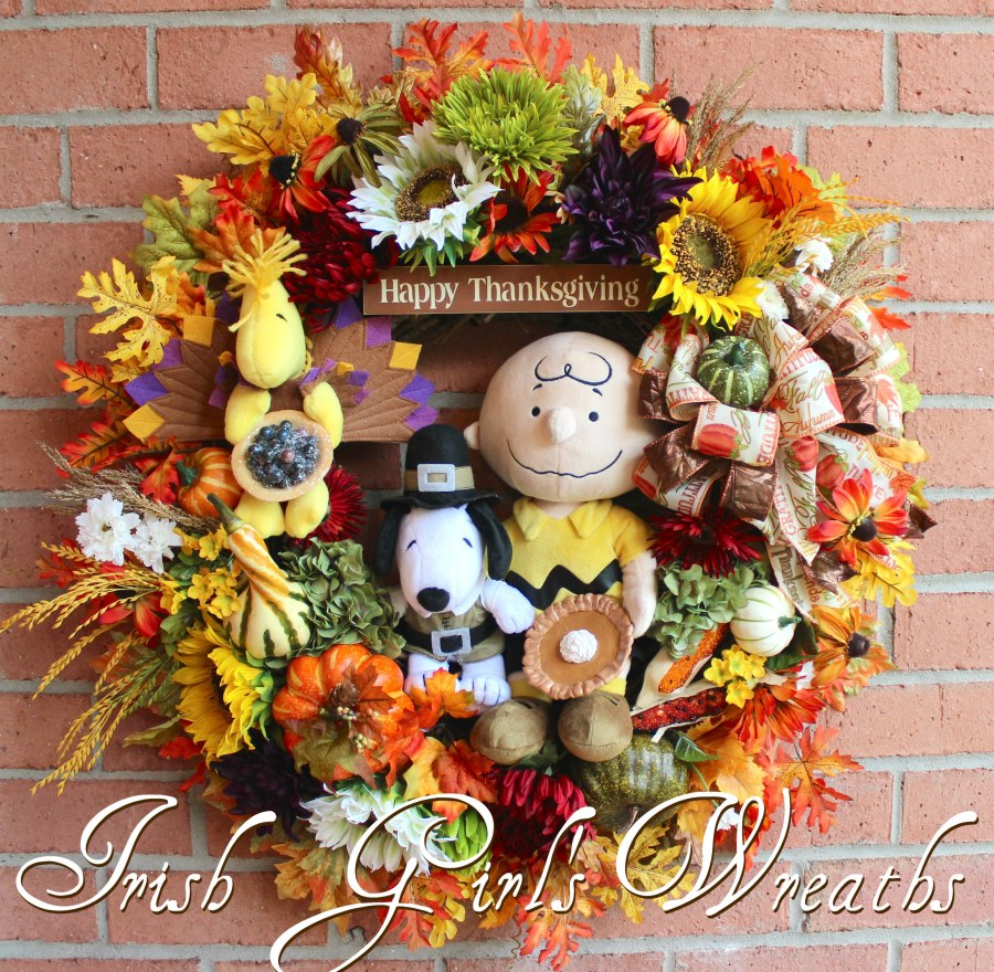 Deluxe Charlie Brown Thanksgiving Wreath-5