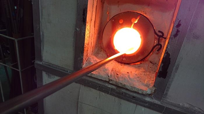 東京ガラス工芸研究所 吹きガラス体験教室
