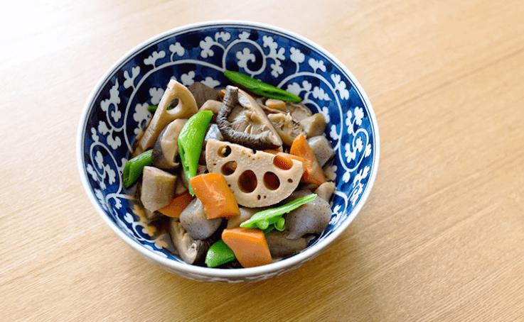 和食と青い食器