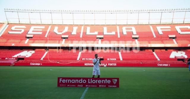 Fernando Llorente en su presentación.