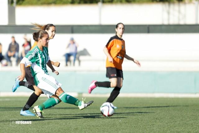 Instante del gol de Marta.