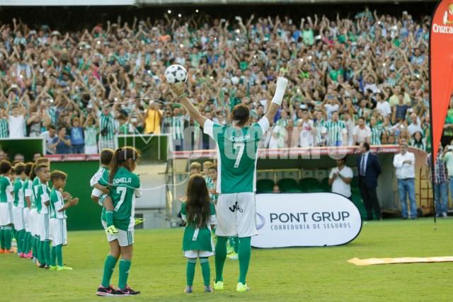 Joaquín saludando al público.
