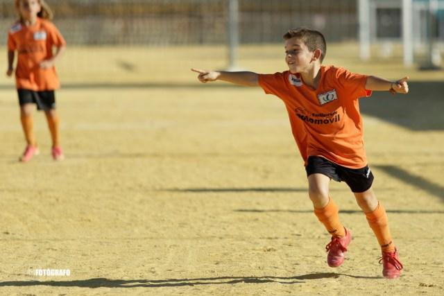 Celebración de un gol del Miguel de Unamuno.