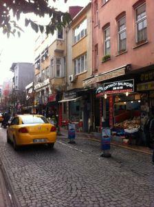Versteckte Gasse in Ortaköy