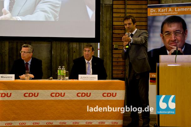 Karl-Martin Hoffmann (rechts) , der Vorsitzende der CDU Ladenburg, moderierte die Diskussionsrunde.
