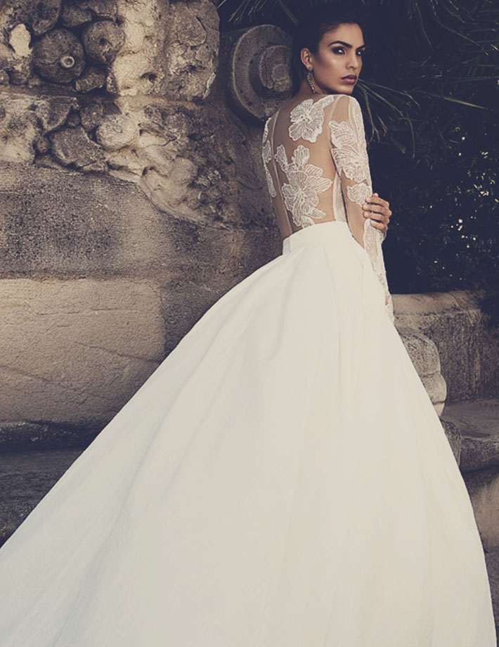 Wedding dress full line tulle