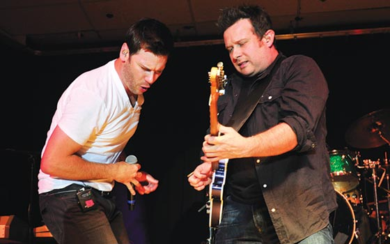 Click here to see more pictures from the Emerson Drive performance.