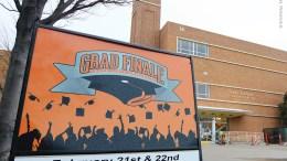 Grad Finale sign
