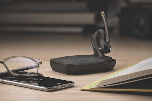 Arbeta ostört med Plantronics Voyager 5200 Bluetooth med Windsmart-teknik