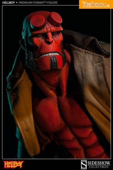 Hellboy Mike Mignola Premium Format Figure (6)