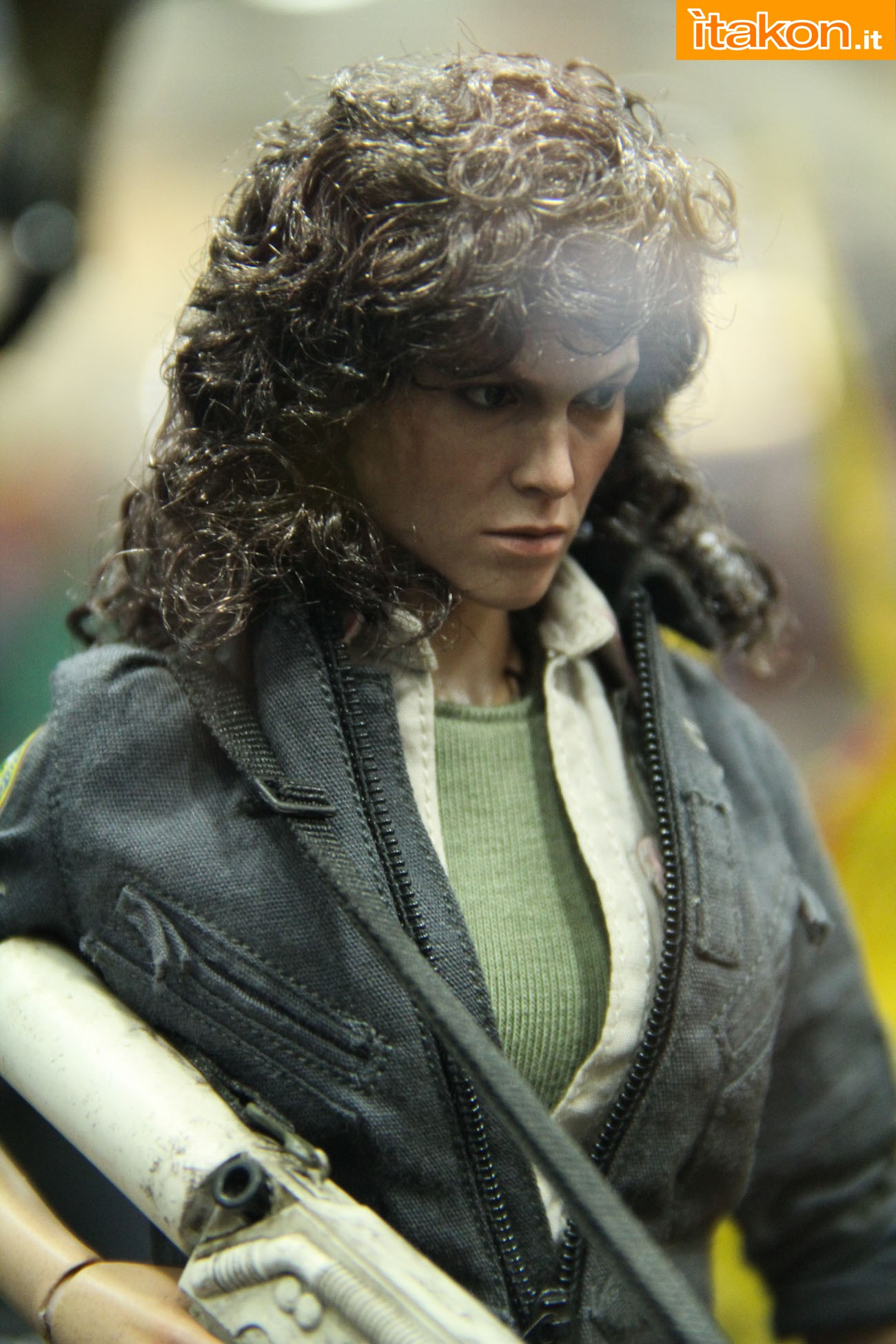 ALIEN - ELLEN RIPLEY (MMS ???) Sdcc2014-hot-toys-booth-39