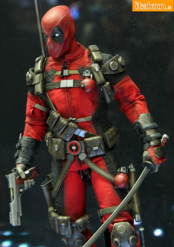 [Sideshow] Marvel Sixth Scale Collection - Deadpool - Página 2 Wolverine-e-Deadpool33