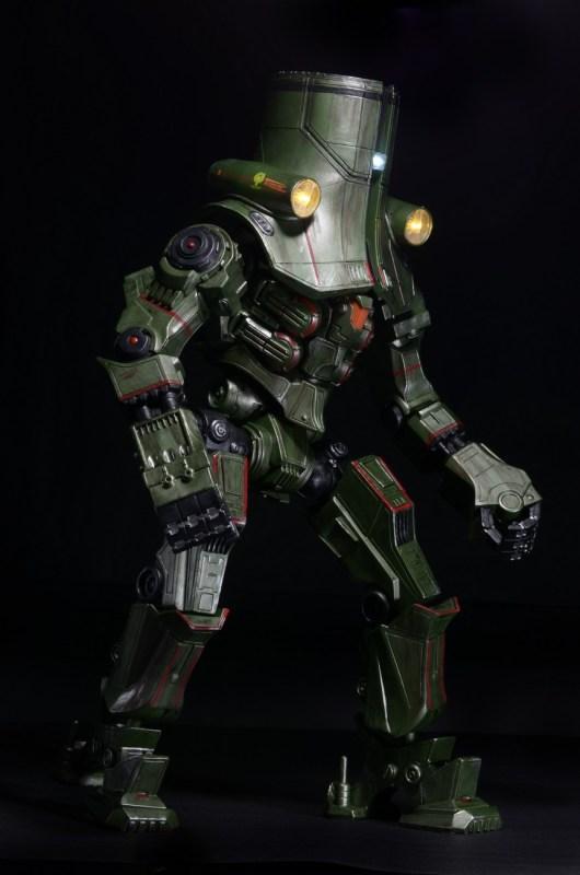 [NECA][Tópico Oficial] Pacific Rim: Jaegers Series 6 - Página 5 Pacific-Rim-18-Inch-Cherno-Alpha-002