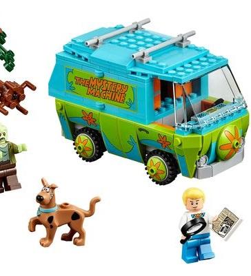 Lego-Scooby-Doo-Mystery-Machine-2015-toy-fair-nyc