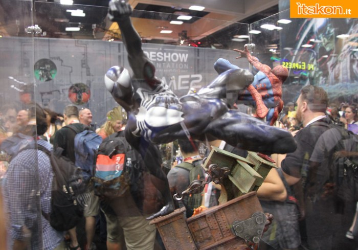 SPIDER-MAN SYMBIOTE COSTUME Premium format - Page 2 Sideshow-Preview-Night148
