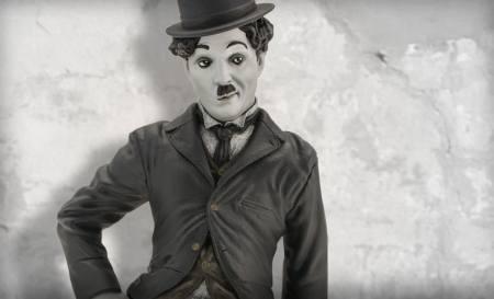 charlie-chaplin-the-tramp-statue-infinite-statue-feature-902601