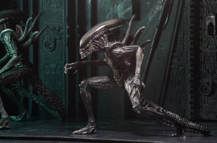 NECA-S7-Aliens-Official-023