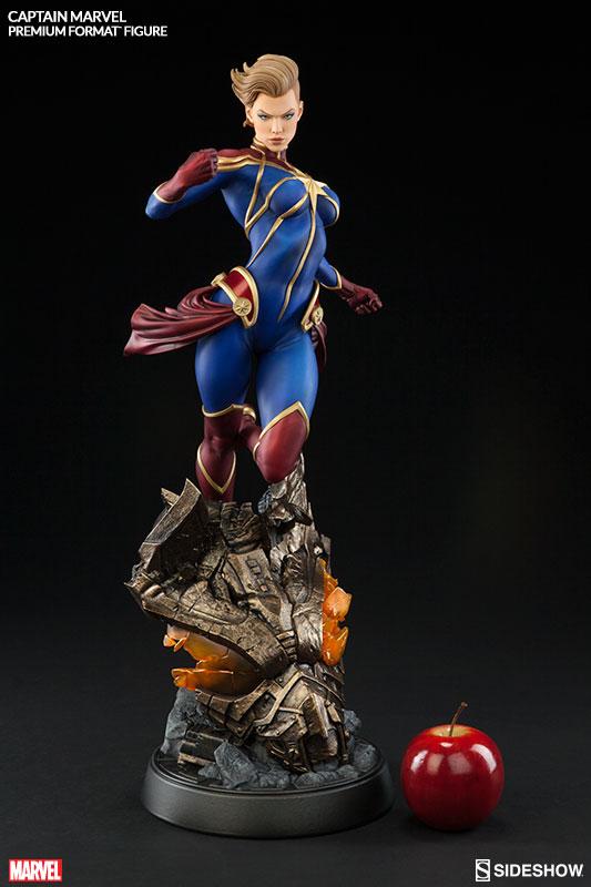 marvel-captain-marvel-premium-format-300454-03