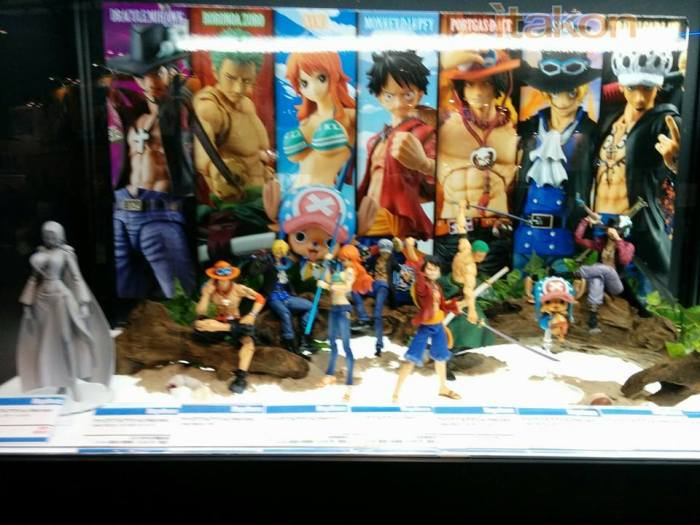 """Esposizione linea Variable Action Heroes da """"One Piece"""""""