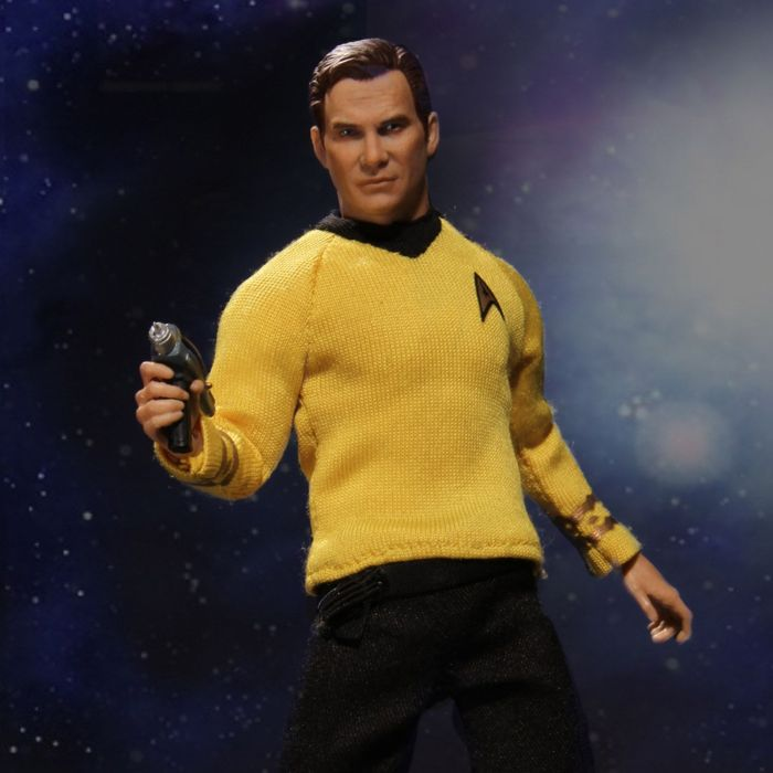 Mezco-Star-Trek-One12-Captain-Kirk-001