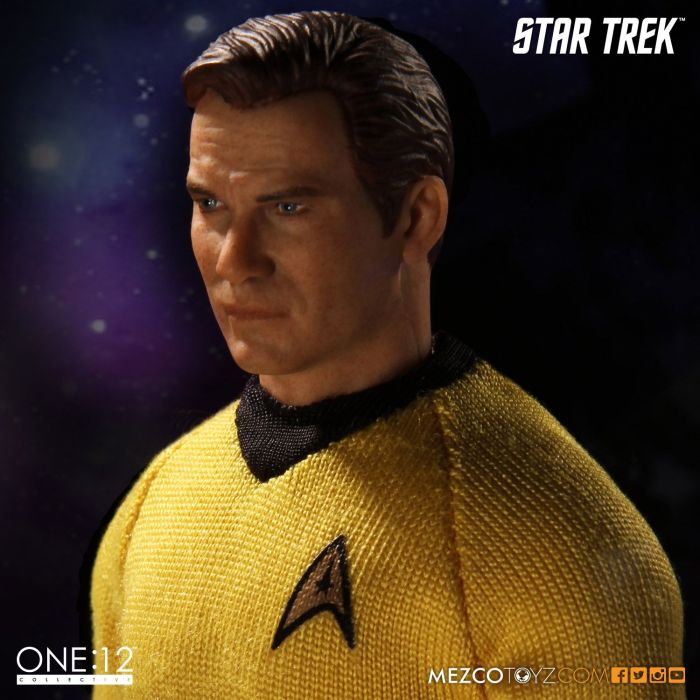 Mezco-Star-Trek-One12-Captain-Kirk-009