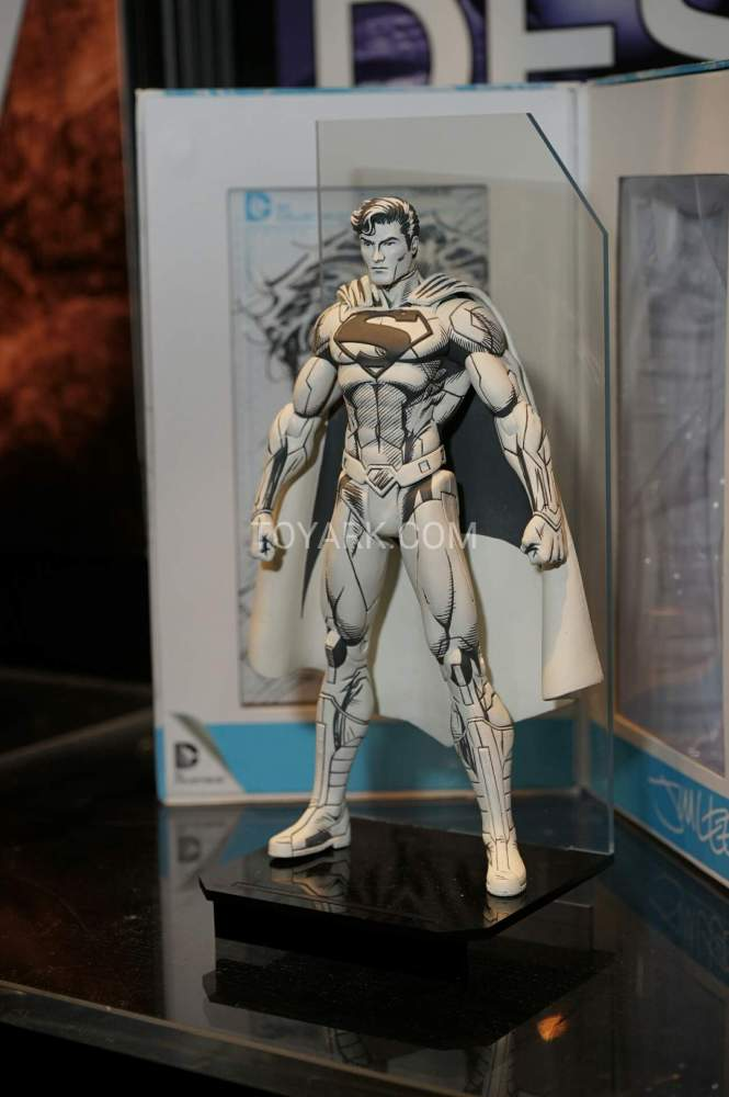 TF-2016-DC-Collectibles-Booth-027