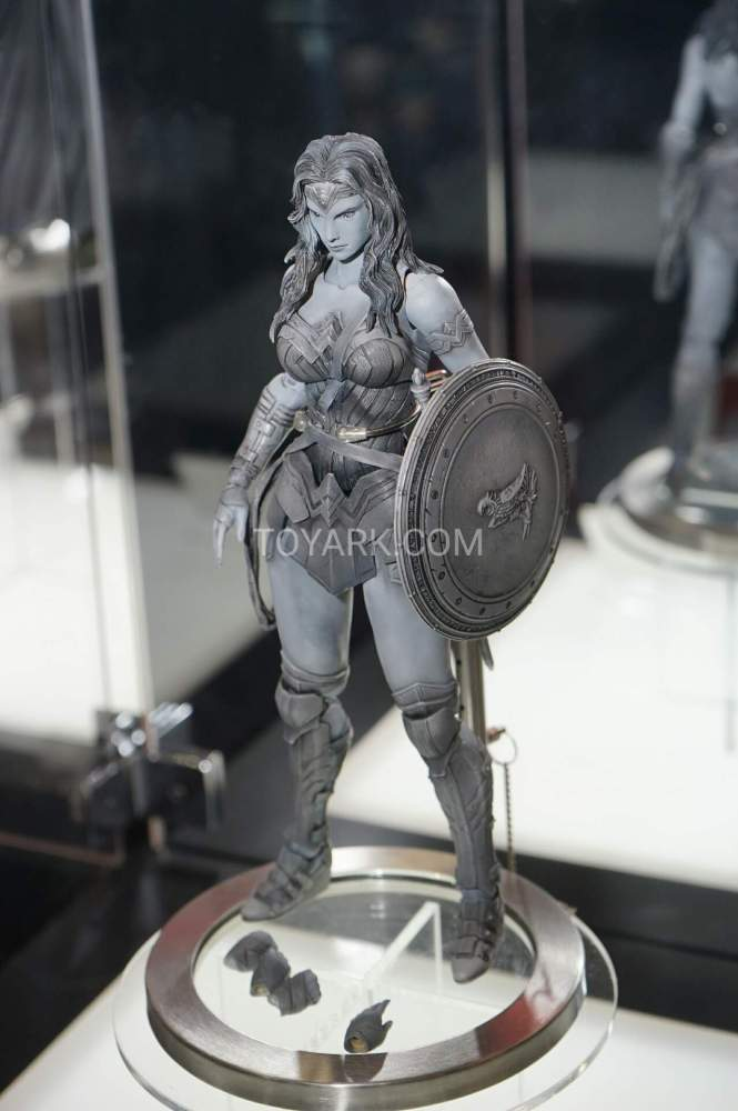 TF-2016-Play-Arts-Kai-DC-011