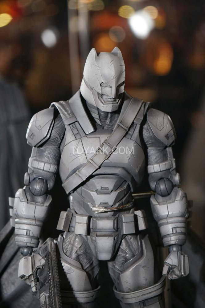 TF-2016-Play-Arts-Kai-DC-019