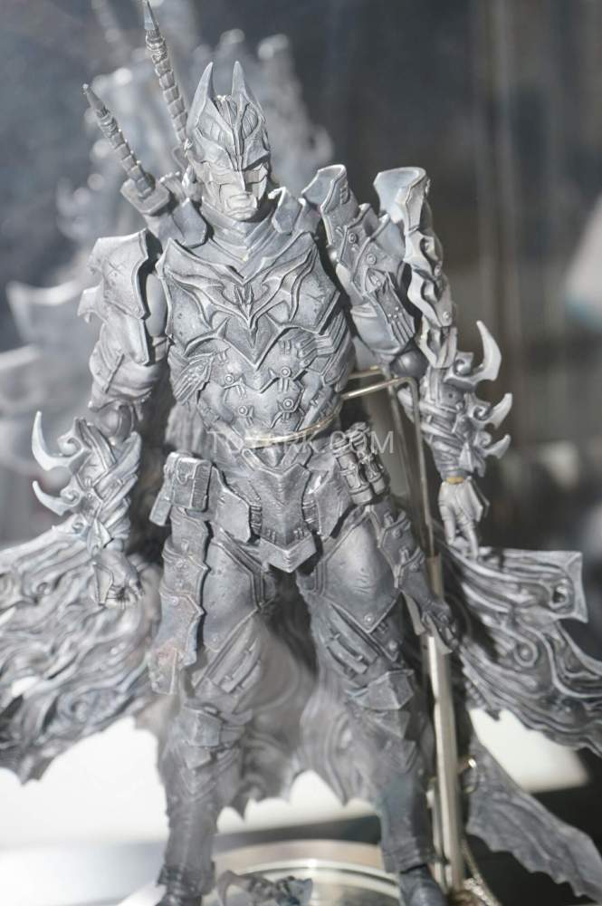 TF-2016-Play-Arts-Kai-DC-038