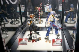 TF-2016-Play-Arts-Kai-Video-Game-022