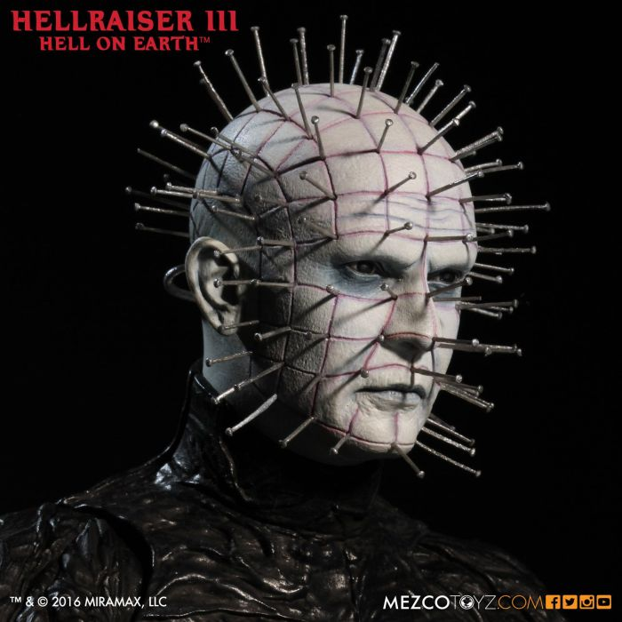 Mezco-Hellraisr-3-Pinhead-006