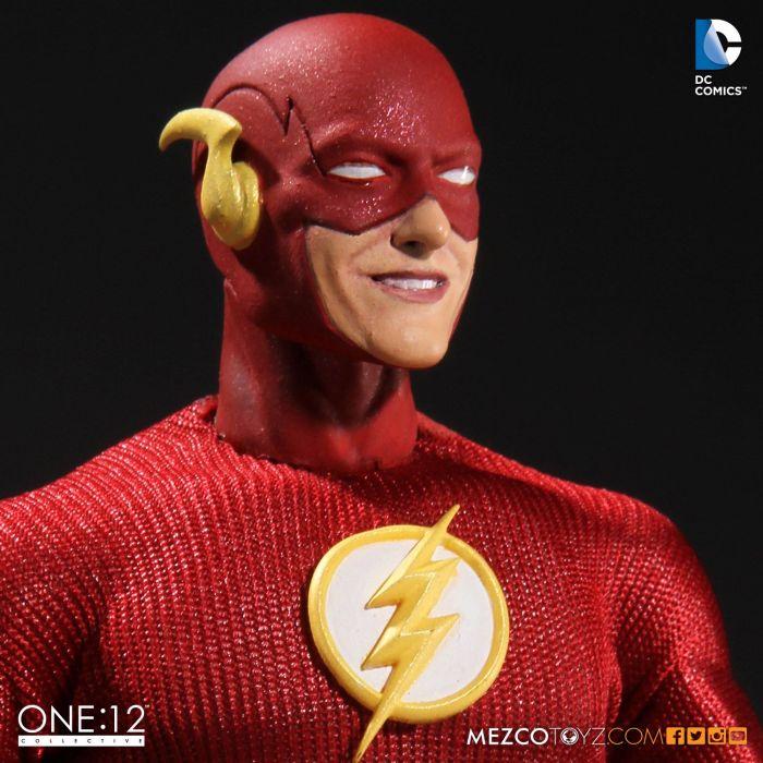 Mezco-One12-Flash-002