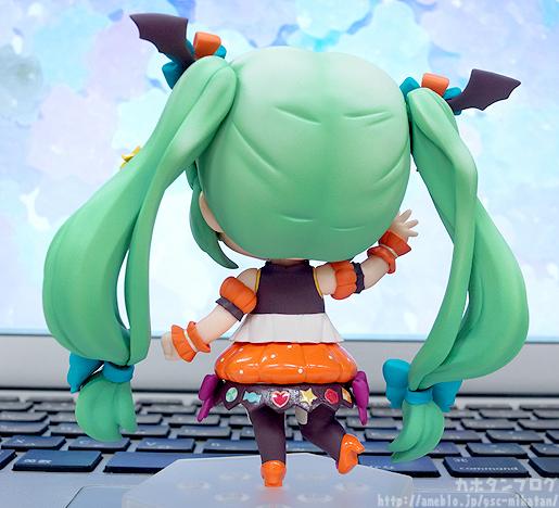 Miku Pumpkin Co-de GSC Nendoroid pics 02