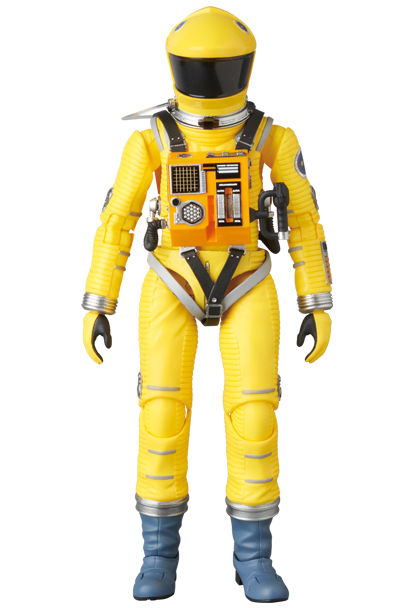 MAFEX-2001-Space-Suit-Yellow-002
